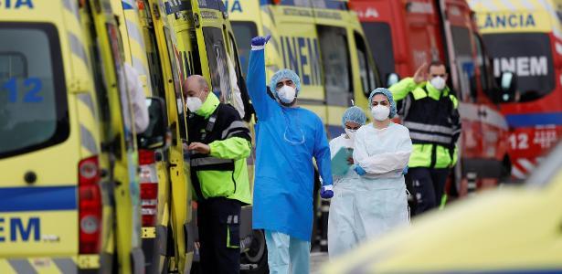 Colapso no país europeu   Maior hospital de Portugal tem fila de ambulâncias por covid