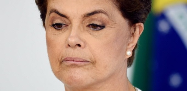 """A presidente Dilma Rousseff, acusada de ter cometido """"pedaladas"""" fiscais"""