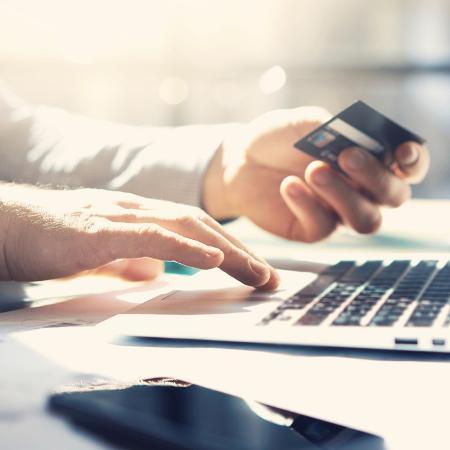 Levantamento aponta que bancos digitais alcançaram uma fatia de 52% de downloads de aplicativos - iStock