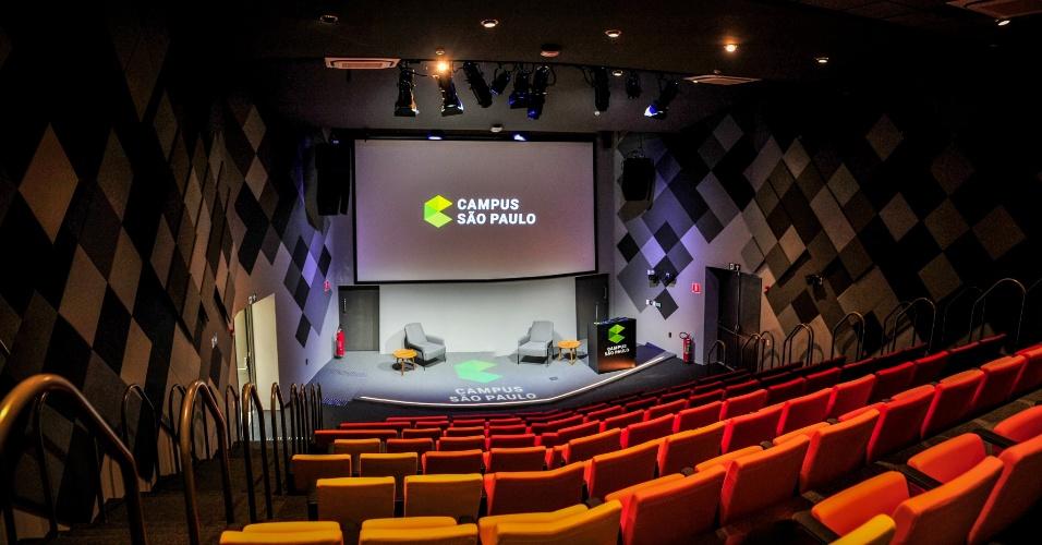 O auditório do Campus São Paulo, criado pelo Google, tem capacidade para até 100 pessoas