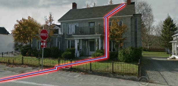 Reportagem da TV CBS mostra a fronteira entre os EUA e o Canadá passando pela casa de Brian DeMoulin