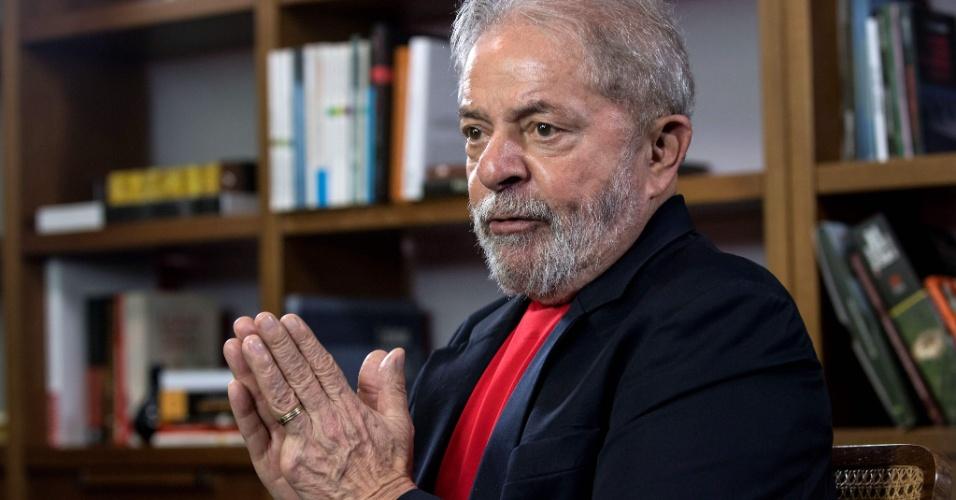 1º.mar.2018 - Ex-presidente Luiz Inácio Lula da Silva (PT) concede entrevista à agência AFP