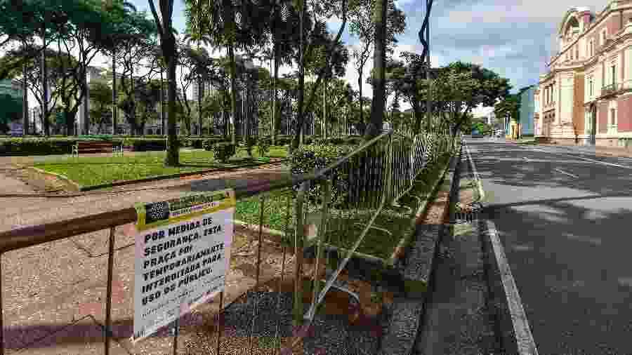 Praça da Liberdade, em Belo Horizonte, vazia durante a pandemia de coronavírus  - Pedro Vilela/Getty Images