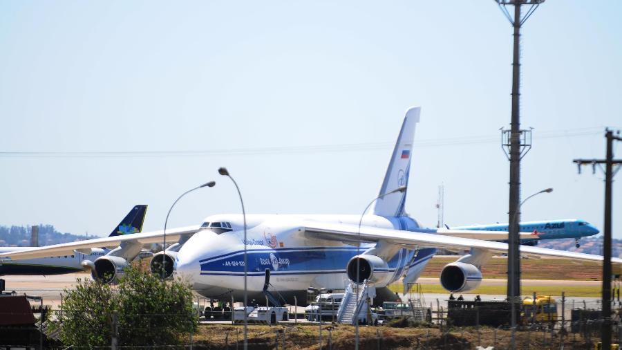 Antonov 124-100, segundo maior cargueiro do mundo, no Aeroporto de Viracopos, em Campinas (SP) - WAGNER SOUZA/FUTURA PRESS/FUTURA PRESS/ESTADÃO CONTEÚDO