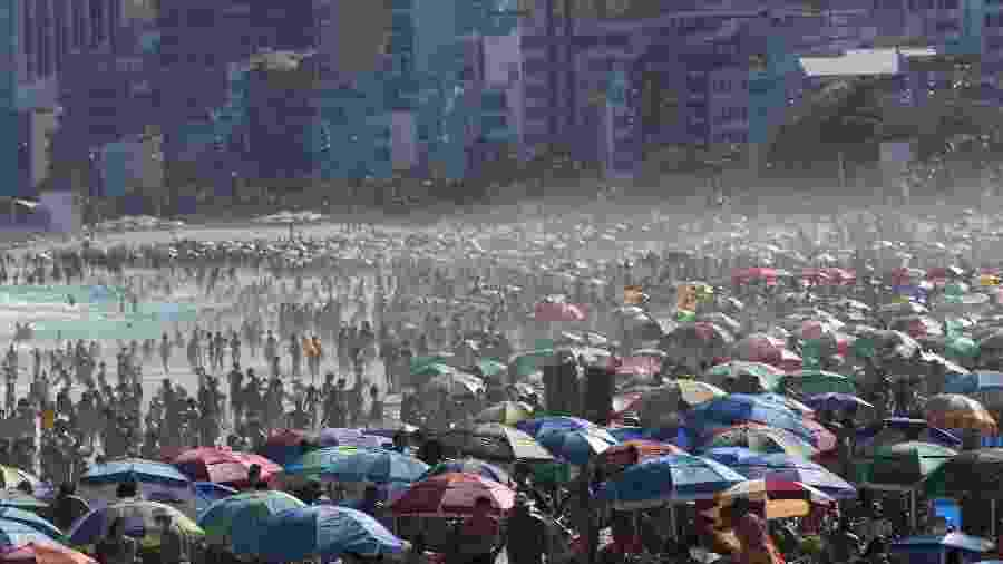Comitê Científico da Prefeitura do Rio de Janeiro pediu a proibição de banhistas nas praias, para evitar aglomerações - Wilton Júnior/Estadão Conteúdo