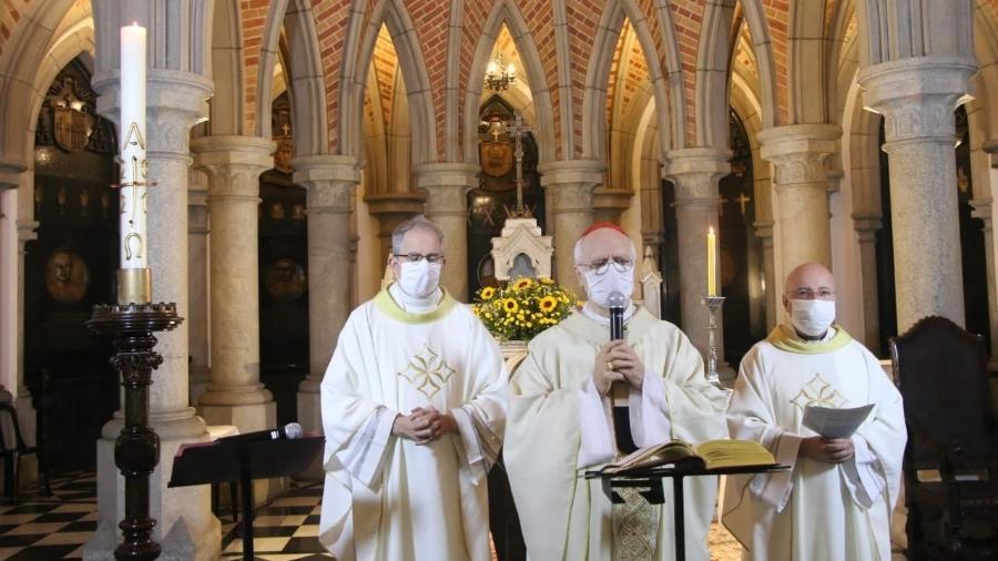 Dom Odilo Scherer celebrou missa sem público na Catedral da Sé, em São Paulo, no último domingo (4) - 4.abr.2021 - LucineyMartins/Reprodução/Facebook/arquisp