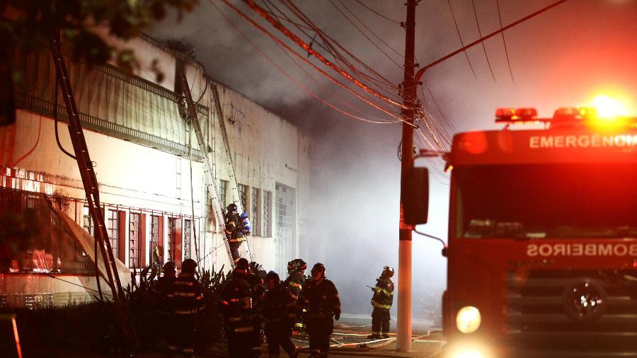 Funcionários da Cinemateca estimam que documentos de órgãos extintos do cinema nacional foram perdidos no fogo - Carla Carniel/Reuters