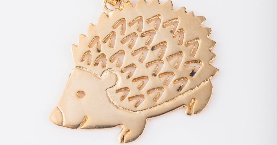 Pingente de porco-espinho da marca Zoojóias