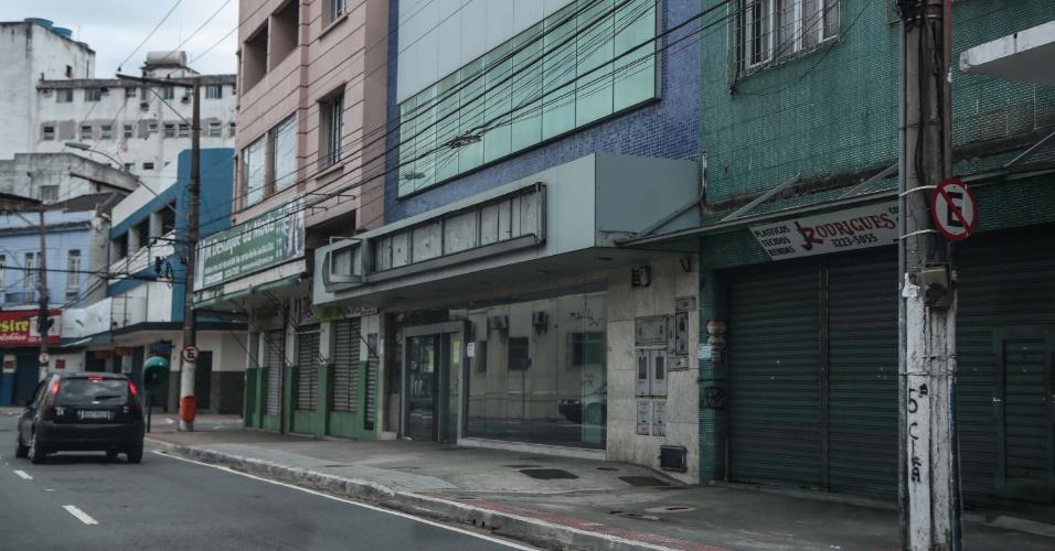 6.fev.2017 - Comércio fechado na Vila Rubim, em Vitória (ES). Um protesto de mulheres de policiais por melhores condições para a classe impede os militares de sair às ruas no Estado. Mais de 60 pessoas foram assassinadas desde sábado (4)