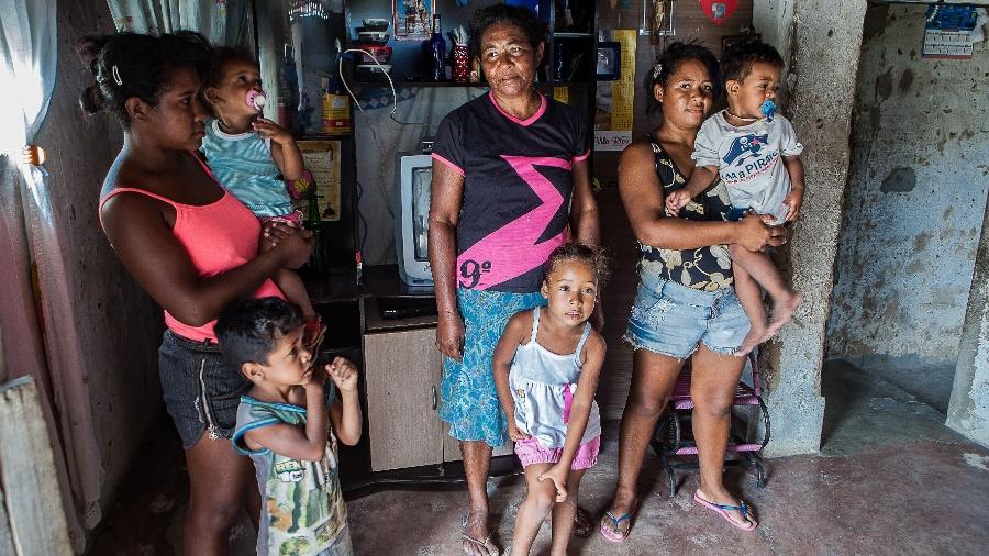 Maria das Graças Conceição Almeida, que vive basicamente de Bolsa Família, afirma que não tem condições de contribuir mensalmente - Lilo Clareto/ Repórter Brasil