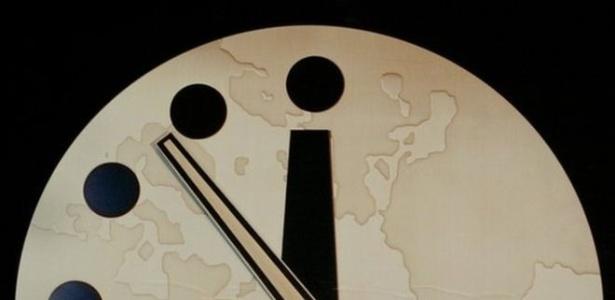Relógio simbólico foi criado pelo Boletim de Cientistas Atômicos em 1947