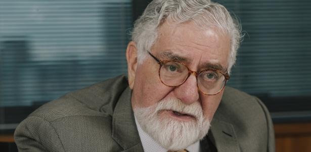 O ex-ministro das Relações Exteriores Celso Lafer, em seu escritório, em São Paulo - Gabo Morales/UOL
