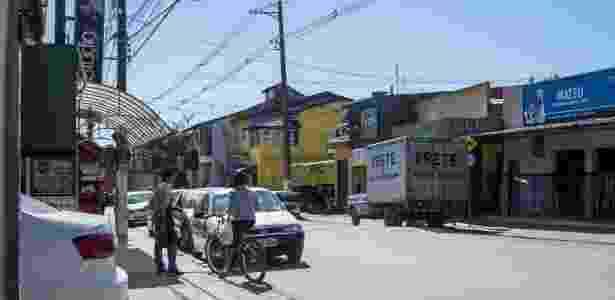 22.mai.2018 - Rua do bairro Portão, em Atibaia (SP), onde fica o sítio que era usado pelo ex-presidente Lula - SPS - 22.mai.2018/UOL - SPS - 22.mai.2018/UOL
