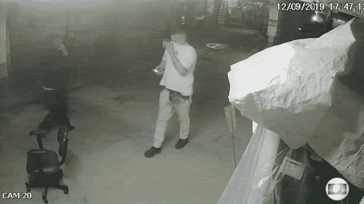 Funcionários no subsolo do Hospital Badim começam a perceber fumaça na garagem - Reprodução/TV Globo - Reprodução/TV Globo