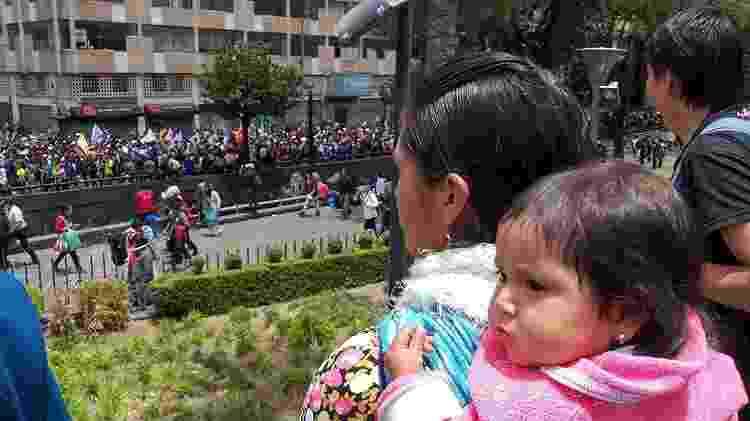 As mulheres participam das marchas junto com seus filhos - Matías Zibell
