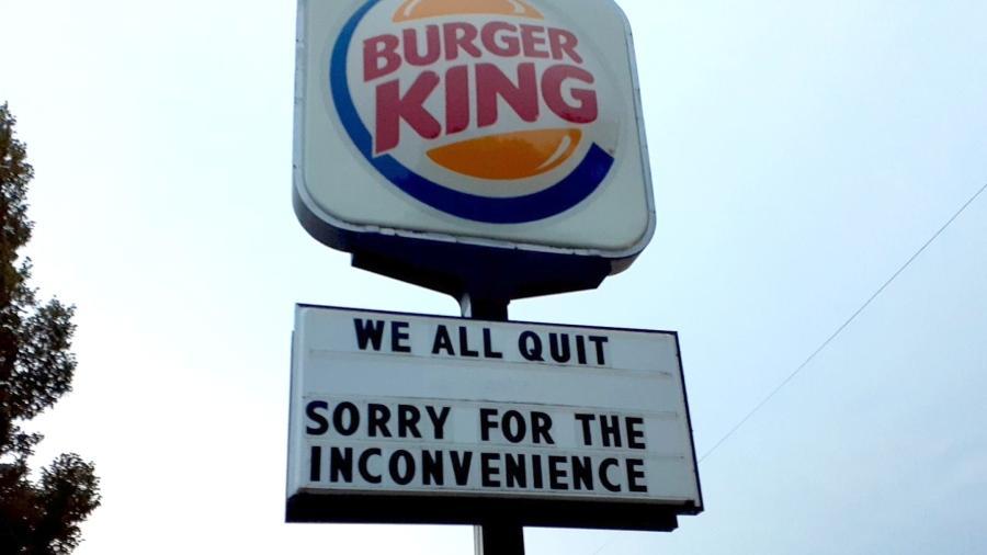 Demissão em massa de funcionários de um Burger King no Nebraska, nos EUA, viralizou  - Rachael Flores / Facebook