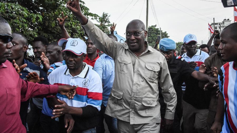 14.mar.2020 - O presidente do Partido Chadema da Tanzânia, Freeman Mbowe - Ericky Boniphace/AFP