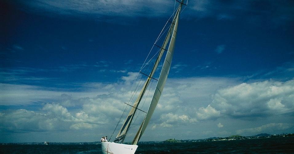 9.mai.2016 - O America True veleja em Auckland, Nova Zelândia, durante a Copa Louis Vuitton, em 2000. O vencedor foi o Prada Challenge, da Itália, que conquistou o direito de participar da competição americana
