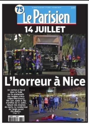 """14.jul.2016 - """"14 de julho: O horror em Nice"""" é manchete do jornal francês Le Parisien após ataque que resultou na morte de dezenas de pessoas mortas após um caminhão atropelar uma multidão durante celebração da Queda da Bastilha, maior feriado nacional francês, no centro de Nice, na Riviera Francesa"""