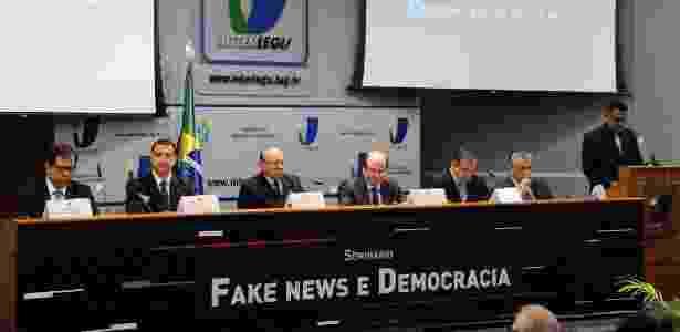 Congresso faz seminário sobre fake news; João Alberto Souza é o 3º da esq. para a dir. - Luis Macedo/Câmara dos Deputados