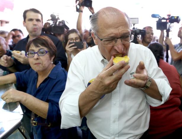 Geraldo Alckmin durante campanha na Baixada Fluminense (RJ) nesta quinta-feira (30)