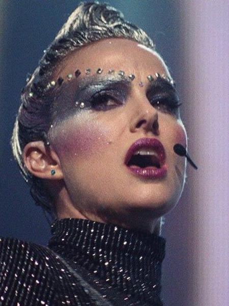 """Natalie Portman é uma popstar em colapso em """"Vox Lux"""" - Reprodução"""