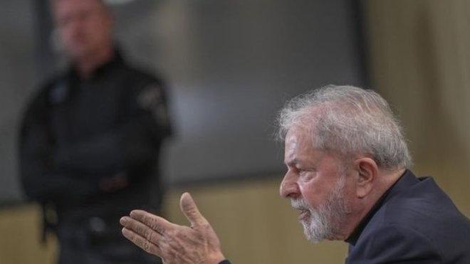 Poucos minutos após o fim do julgamento no STF, o termo 'Lula' passou a liderar o ranking dos temas mais falados no Twitter mundial