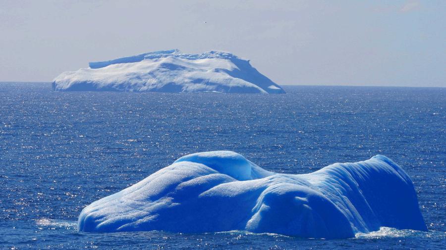Derretimento de calotas polares é seis vezes maior do que nos anos 1990, ocasionando mais icebergs no oceano  - Liu Shiping/Xinhua