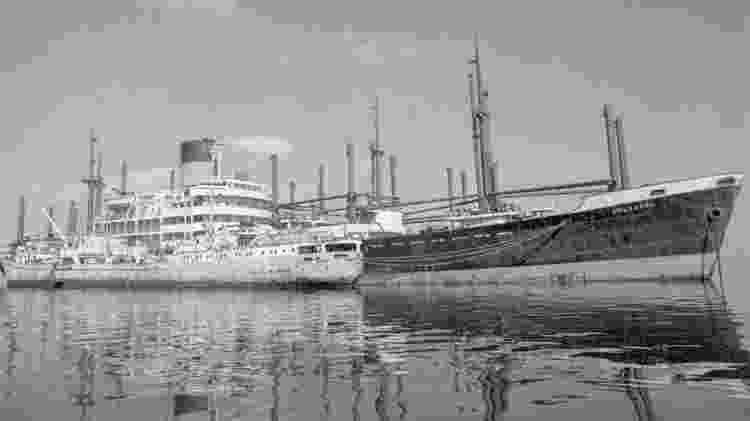 Os barcos abandonados ficaram conhecidos como a frota amarela - Getty Images - Getty Images