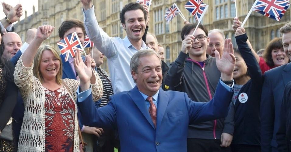 24.jun.2016 - Nigel Farage, líder do Partido da Independência do Reino Unido (UKIP), faz uma declaração depois da decisão do Reino Unido de  abandonar a União Europeia, em Londres, Inglaterra. Em um resultado histórico, 52% contra 48% eleitores aprovaram a saída da UE