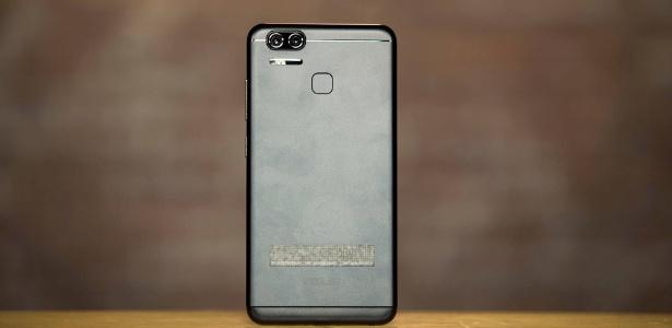 Zenfone 3 Zoom conta com câmera dupla em sua parte traseira