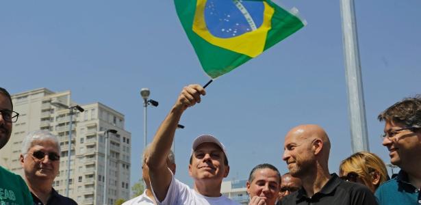 O prefeito de são Paulo, João Doria (PSDB), participa da entrega de obras no Largo da Batata, em Pinheiros, zona oeste da capital paulista, na manhã deste sábado (16)