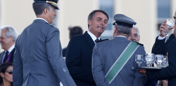 Bolsonaro durante cerimônia do Dia do Exército, em 2017