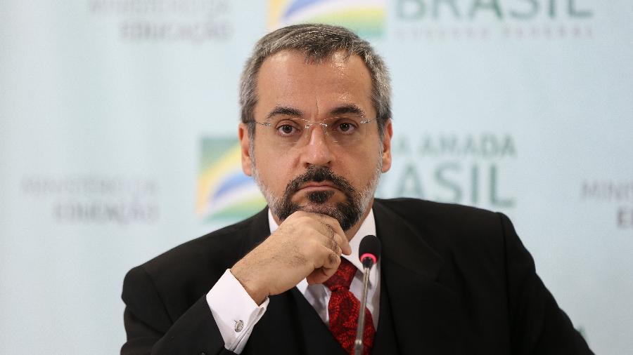 02.mai.2019 - O ministro da Educação, Abraham Weintraub, durante coletiva de imprensa no MEC - Pedro Ladeira/Folhapress
