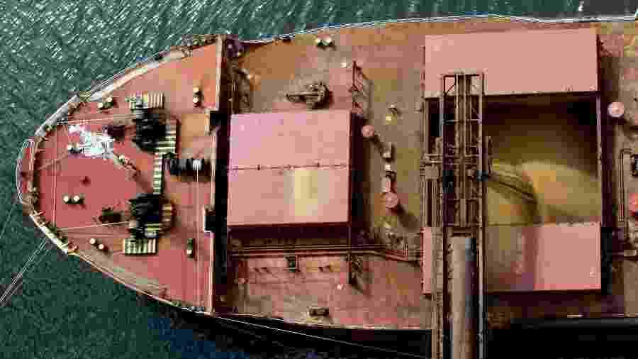 Navio é carregado com soja para exportação no porto de Paranaguá (PR) - Reuters Photographer