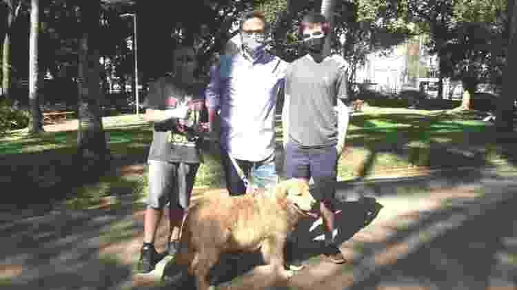 Família Oliveira leva o cachorro para passar no parque Buenos Aires - Wanderley Preite Sobrinho/UOL - Wanderley Preite Sobrinho/UOL