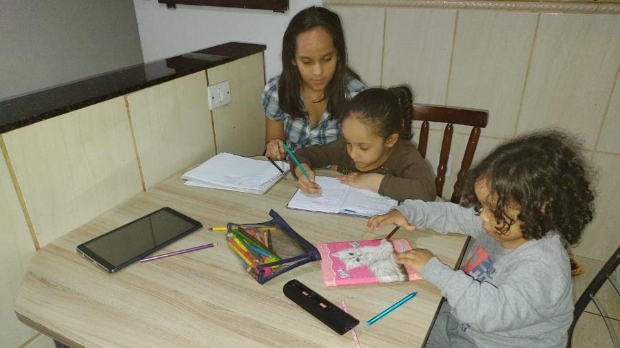 Silvana Borges enfrenta dificuldades para usar aplicativos da Prefeitura de São Paulo para comprar uniforme e material escolar - Tamires Rodrigues