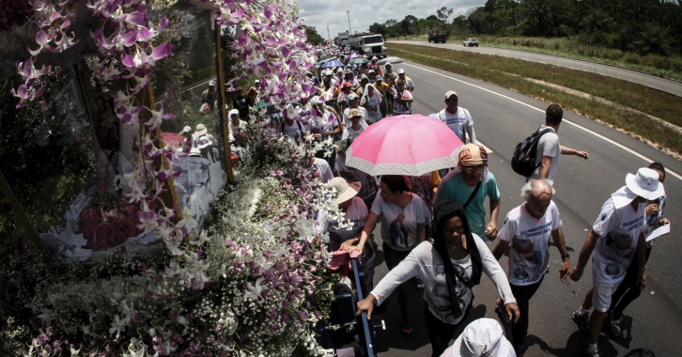 7.out.2015 - O Círio de Nazaré é considerado a maior manifestação religiosa da América Latina e uma das maiores procissões católicas do mundo