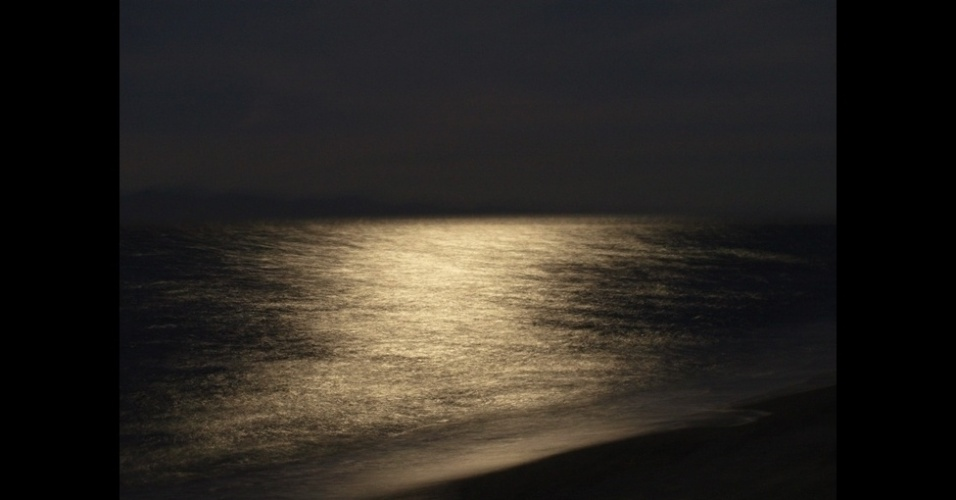 "4.jan.2016 - O prêmio ""Young Outdoor Photographer of the Year"", concedido a fotógrafos jovens, foi dado a Anastasia Ziavra, de 15 anos, por esta foto de uma praia em Chalkidiki, na Grécia"