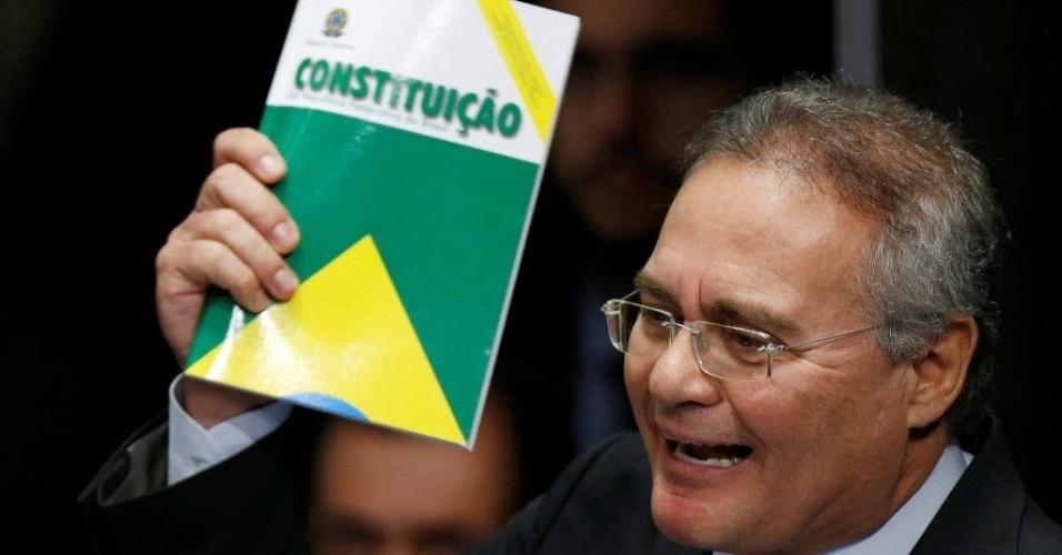 """30.ago.2016 - O presidente do Senado, Renan Calheiros (PMDB-AL), disse em seu discurso no Senado, que o julgamento do impeachment da presidente afastada, Dilma Rousseff, entra para história. Renan também se desculpou por eventuais erros.  """"Se errarmos, a democracia se corrigirá, e o povo nos corrigirá"""", afirmou, para sublinhar: """"Um dia a história nos julgará, e nossa única certeza é que não nos omitimos"""", disse"""