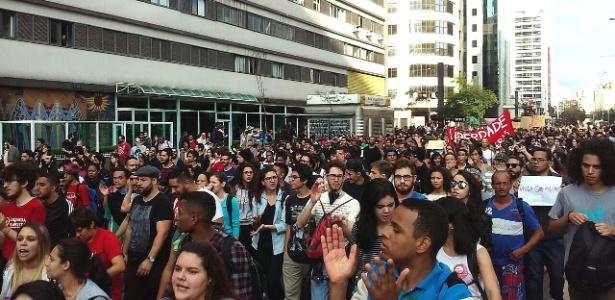 Protesto contra Temer chega à Avenida Paulista - Wellington Ramalhoso/UOL