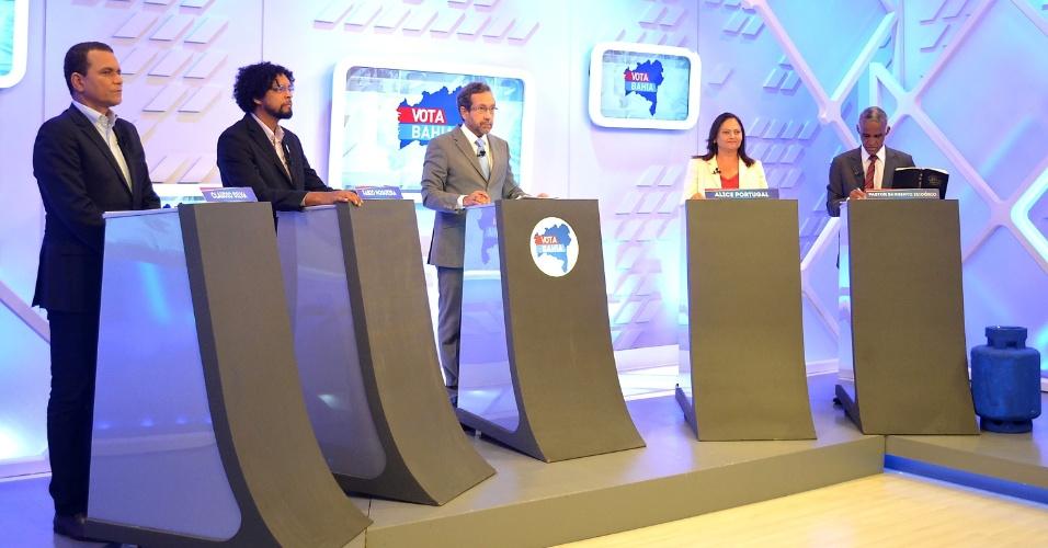 29.set.2016 - Os candidatos à Prefeitura de Salvador (BA) participam de debate promovido pela TV Aratu, no bairro da Federação, na capital baiana