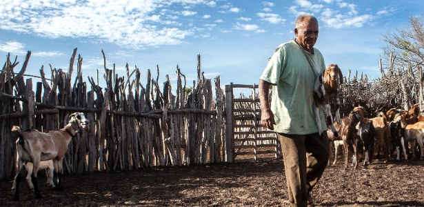 Espedito e sua família saíram da linha da extrema pobreza após a aposentadoria