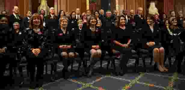 30.jan.2018 - Congressistas democratas vão ao discurso de Donald Trump usando roupas pretas em solidariedade às campanhas contra o assédio sexual - Alex Wong/Getty Images/AFP - Alex Wong/Getty Images/AFP