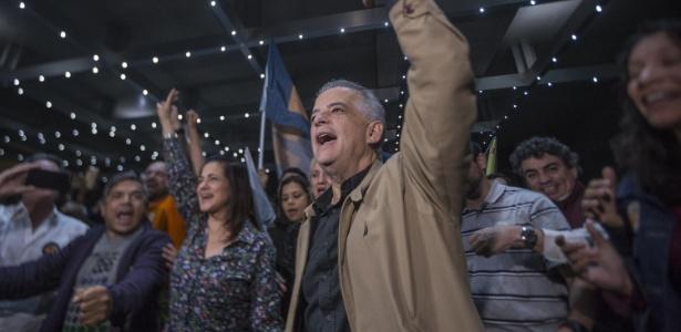 Marcio França comemora virada sobre Paulo Skaf e discursa para militantes