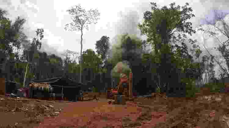 Equipamentos são apreendidos e destruídos durante operação da PF que encontrou garimpo ilegal - Divulgação