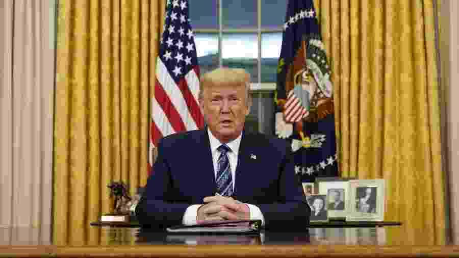 """""""Decidi tomar medidas duras, mas necessárias, para proteger a saúde e o bem-estar dos norte-americanos"""", justificou Trump - Doug Mills/POOL/AFP"""