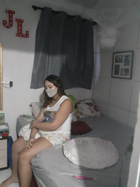 Larissa acusa o hospital de amarrá-la à maca - Arquivo Pessoal