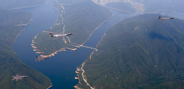 Aviões da Força Aérea dos EUA partem de Guam para a Coreia do Sul