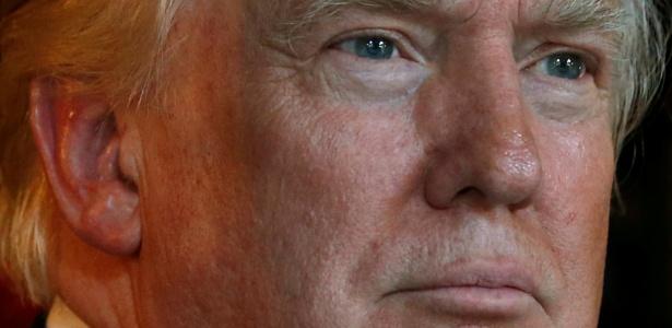 Trump conversa com jornalistas em Palm Beach, na Flórida